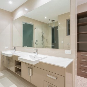 5 Reasons to Consider Adding a Closet to Your Bathroom Remodel