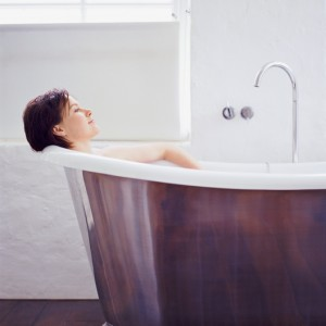 Learn How to Choose a Material for Your Brand New Bathtub