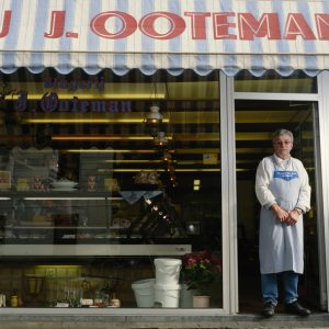 Nothing Compares to Shopping Locally: The Benefits of Working with a Local Business
